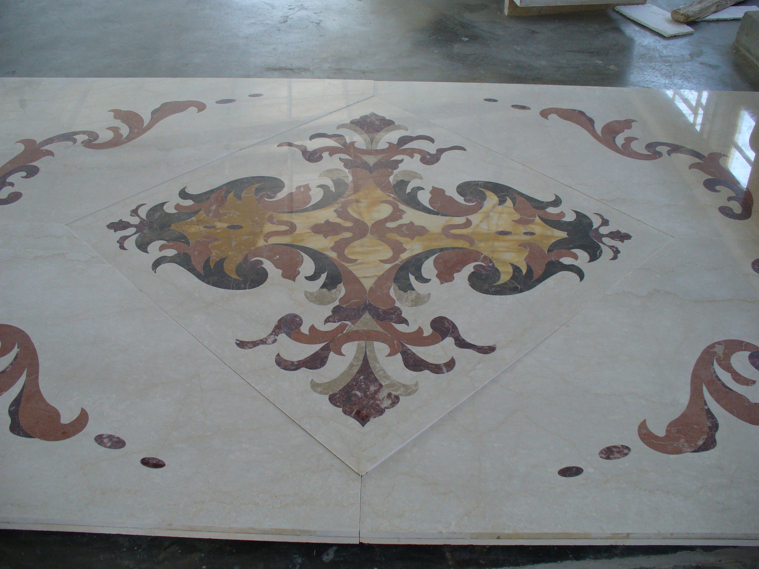 Polished Water Jet marble floor medallion